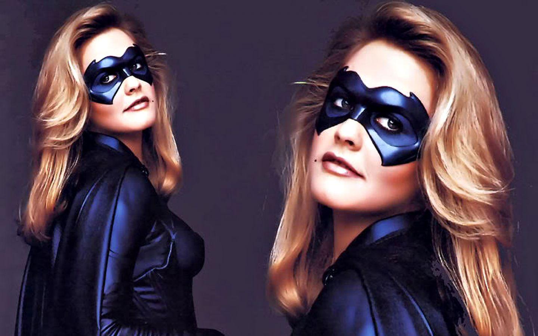 Alicia Silverstone A Batgirl Wallpaper 1440x900