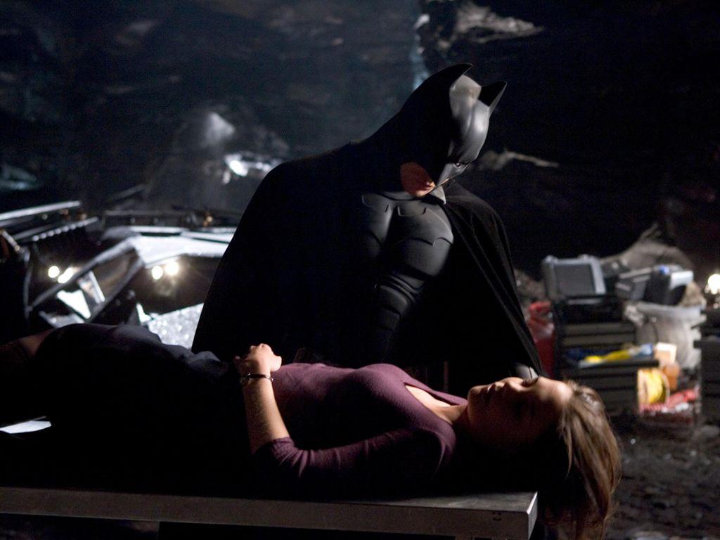 Batman With Rachel Unconcious Wallpaper 1024x768