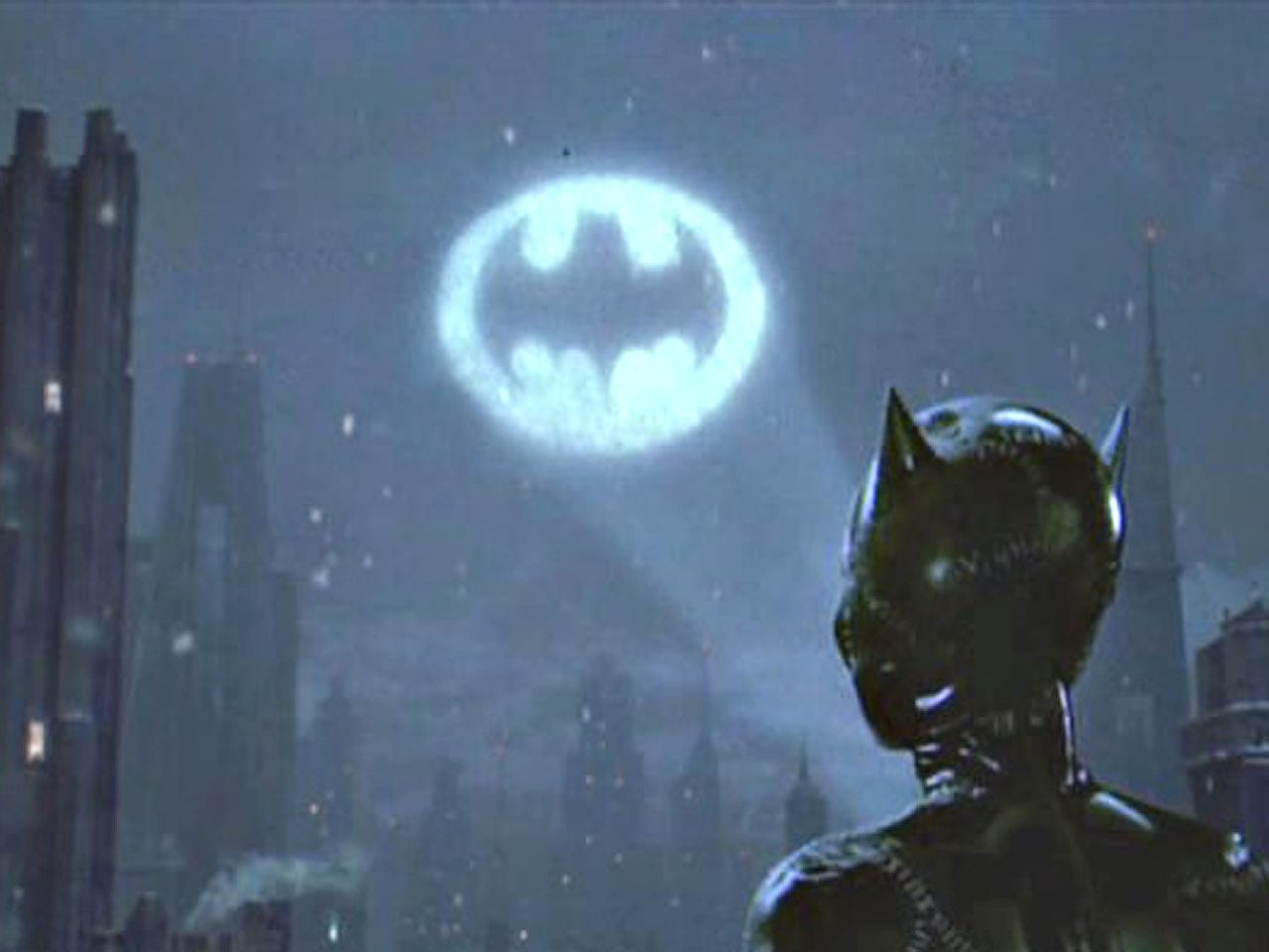 Catwoman Looks At Bat Signal Wallpaper 1280x960