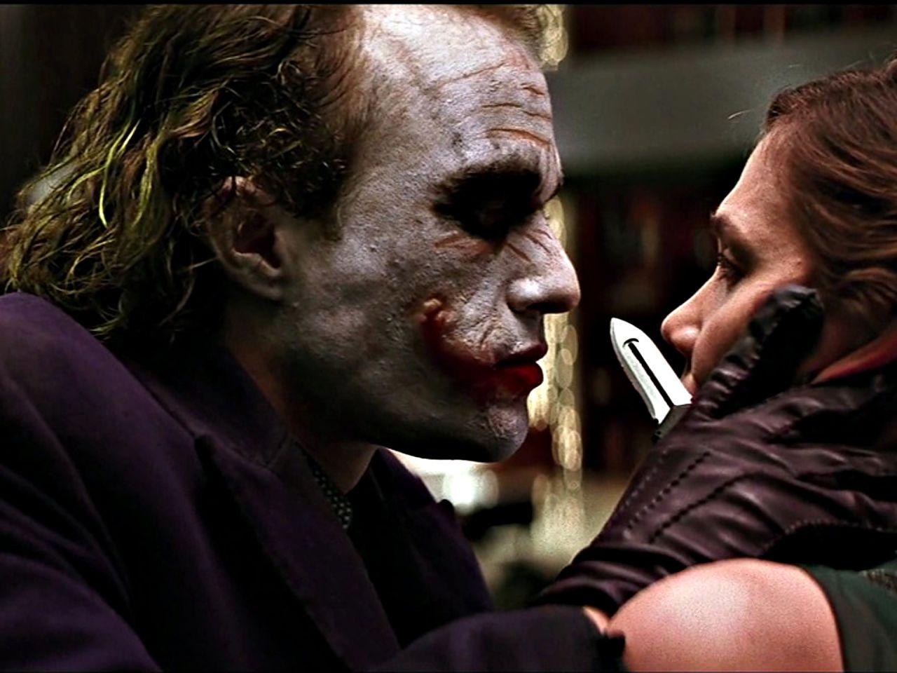 Joker Threathens Rachel With Knife Wallpaper 1280x960