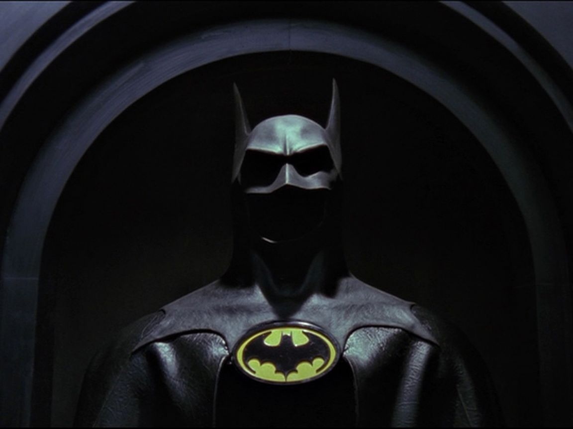 The Batman Suit Wallpaper 1152x864