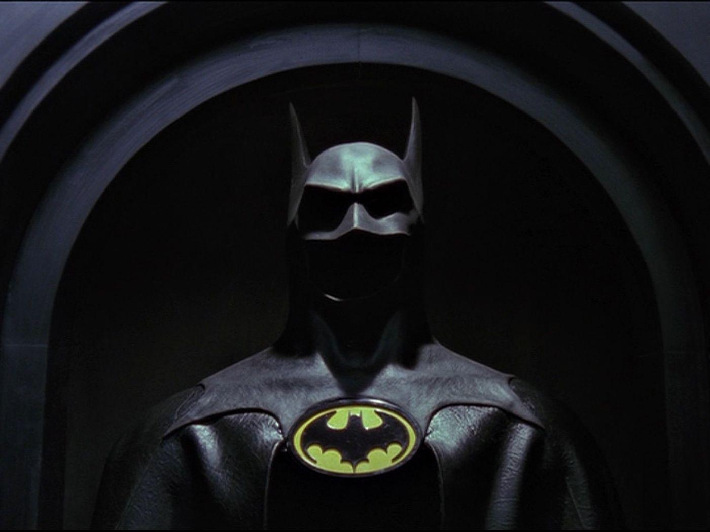 The Batman Suit Wallpaper 1400x1050