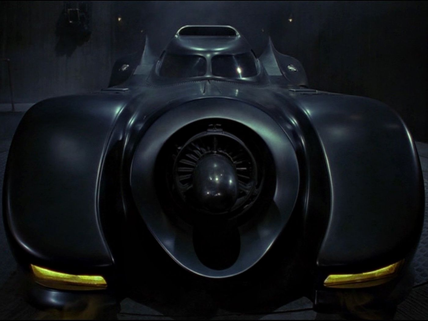 The Batmobile Front Wallpaper 1400x1050