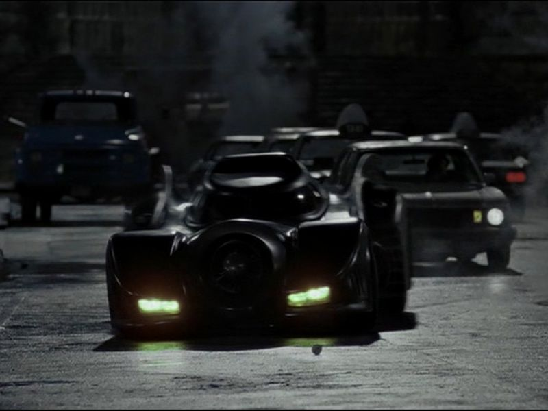 The Batmobile In The Streets Wallpaper 800x600